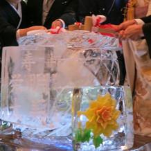 氷の樽の鏡開き