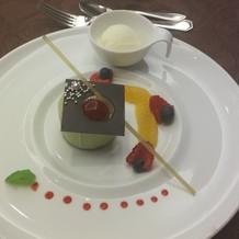 抹茶のムースと柚シャーベット