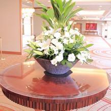 披露宴会場前の装花