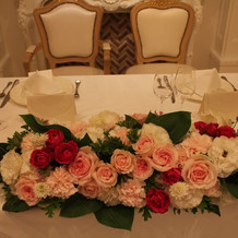 高砂のお花やゲストテーブルの花はピンク系