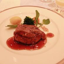 メインのお肉はとても柔らかくて美味かった