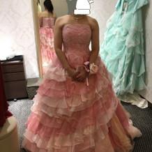 フワッとしたカラードレス