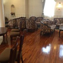 友人や知人らの待合室です。