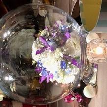 テーブル真ん中の御花の装飾