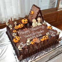 ウエディングケーキです。好評でした!