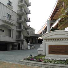 ホテルの玄関入口