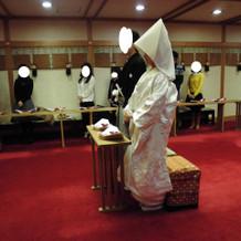 神殿 模擬挙式の様子