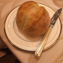 パンが熱々もちもちふかふかですごく美味!