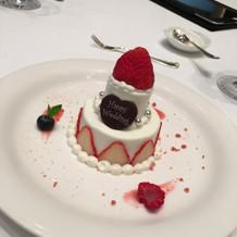 デザートのケーキです。