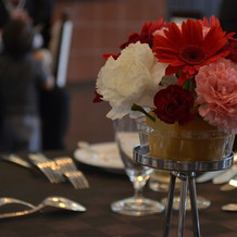 テーブルの花もイメージ通りの色合いでした