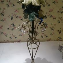 サプライズの白バラのブーケです。