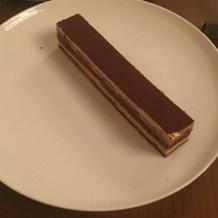 試食デザートのケーキ。オペラ