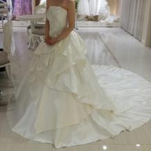 ドレス1の左側