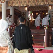 亀ヶ岡八幡宮・神殿内