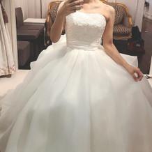 挙式、披露宴時のウエディングドレスです。
