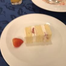 ウエディングケーキです。