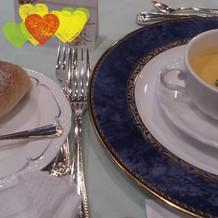 にんじんスープ、ご自慢のお手製ライ麦パン