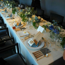 会食のテーブル