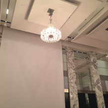 披露宴会場、高い天井
