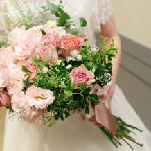 会場装花とセットのブーケ