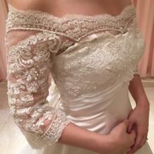 おしゃれな刺繍のドレス