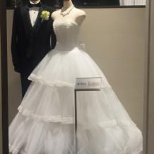 展示ドレス