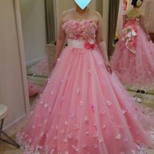 お色直しのピンクのカラードレス
