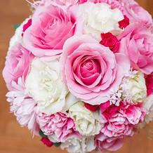 披露宴終わるまでの、ピンクドレス用、生花