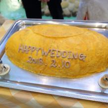 ケーキはオムライス型!マジパンは有料です