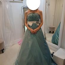 プラン内のカラードレスです