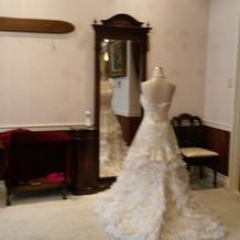純白ドレス