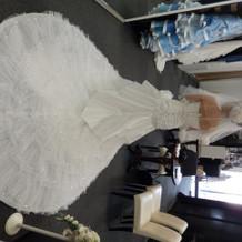 すっきりなのにキラキラがキュートなドレス