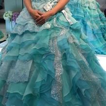 用意して下さったカラードレスです。