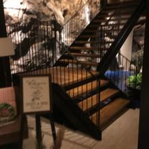 地下会場の滝