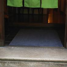 正面玄関の階段