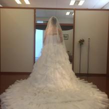 白ドレスの試着