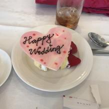 ケーキカットのケーキも食べられました。