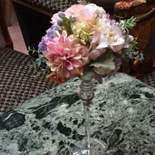 挙式場の一階の待合スペースの花☆