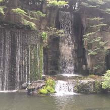 滝も荘厳な雰囲気でした。