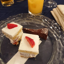 ビュッフェ形式のケーキ