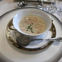 スープは色々なお野菜も入っていた