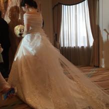 ウェディングドレス(トレーン)