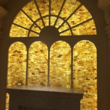 教会のような内装の披露宴会場