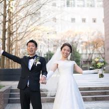 白ドレスはAライン。