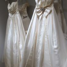 種類豊富なドレス