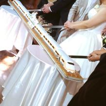 電車のロングロールケーキ