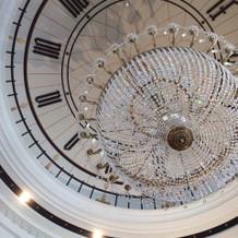 披露宴会場のグリニッジホールの天井