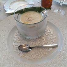 見た目にも美しいスープ