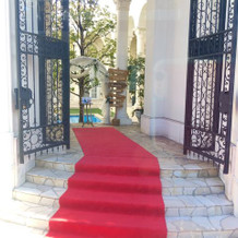 赤色の絨毯
