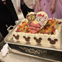 素敵なウエディングケーキになりました。